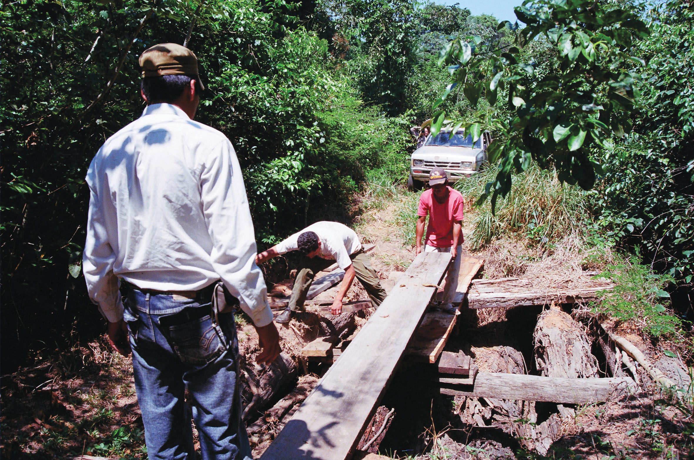 <p>We have cleared the jungle path to messeta Huanchaca repeatedly several years. For cars it is no more passable now. NP Noel Kempff Mercado, Bolivia.</p>