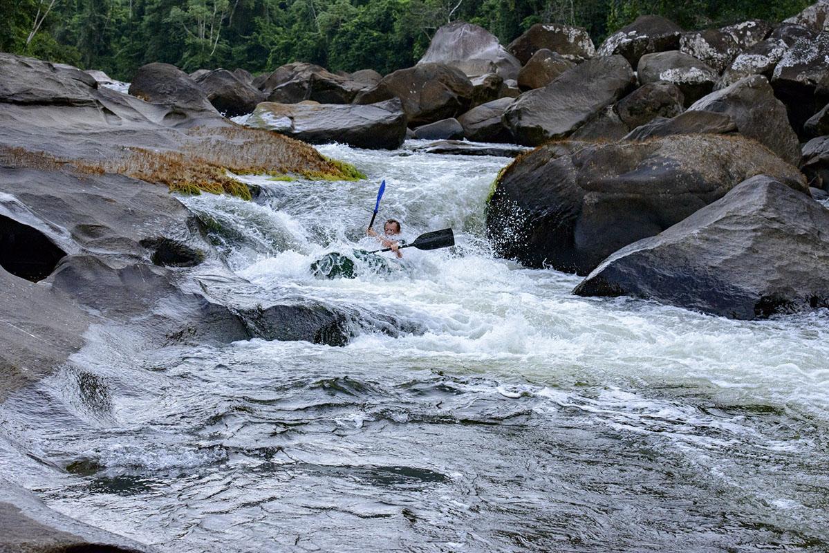 <p>Caught in Dimosi rapids with Peter Ondrejovič (hand in the front is mine). Rio Tabaro (Sierra Maigualida), Venezuela (photo Radana Dungelová).</p>