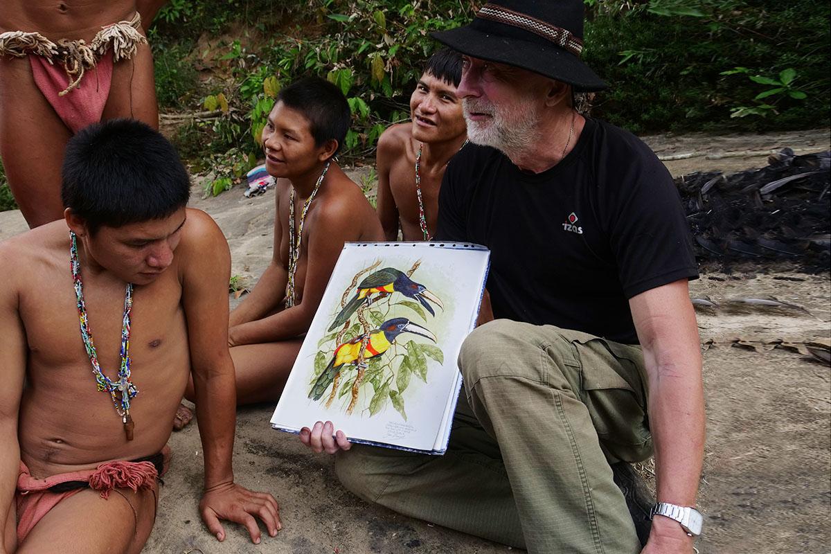 <p>Spolu s průvodci Hoti na Rio Yuri, Venezuela (foto Peter Ondrejovič).</p>