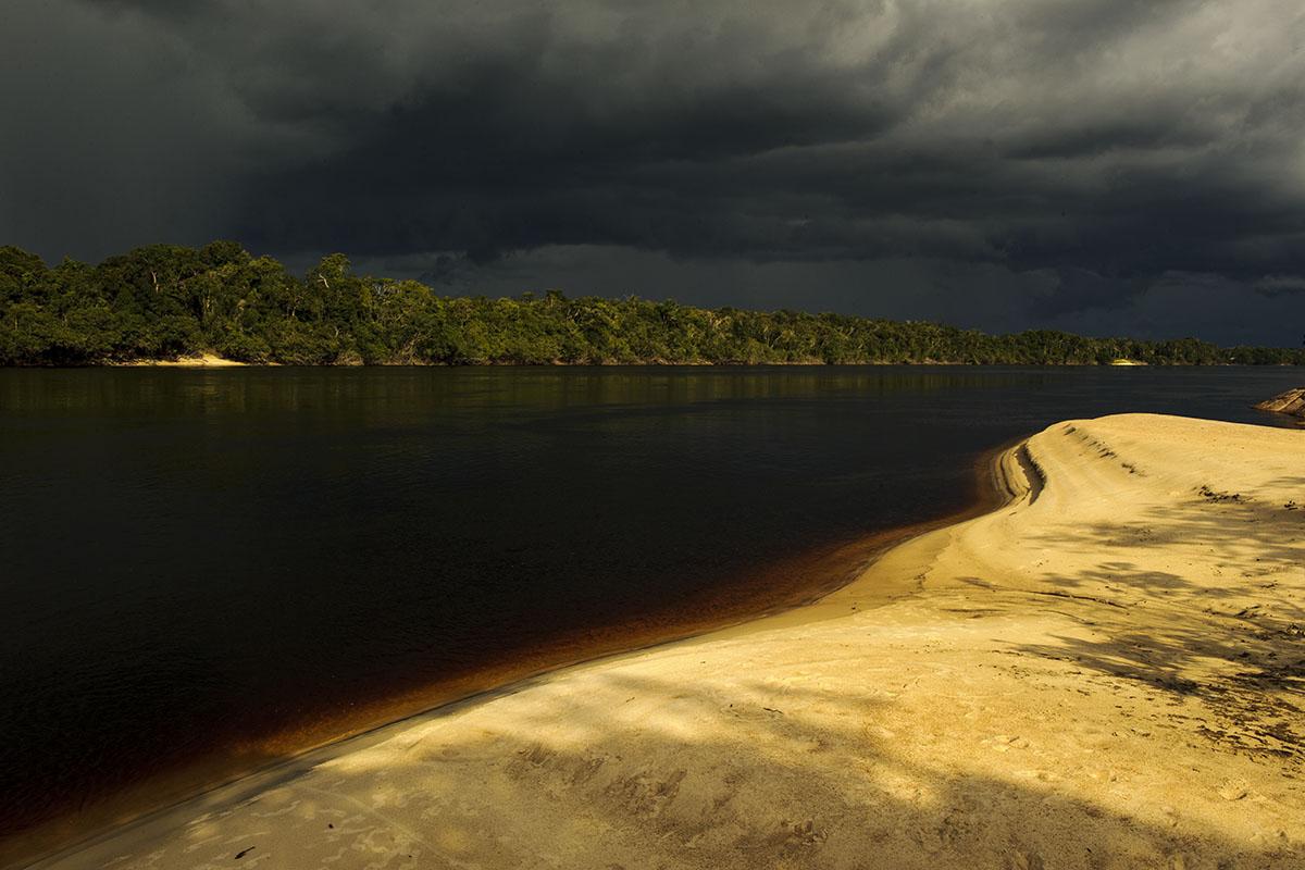 <p>Rio Negro above San Carlos. Venezuela – Colombia (photo Radana Dungelová).</p>