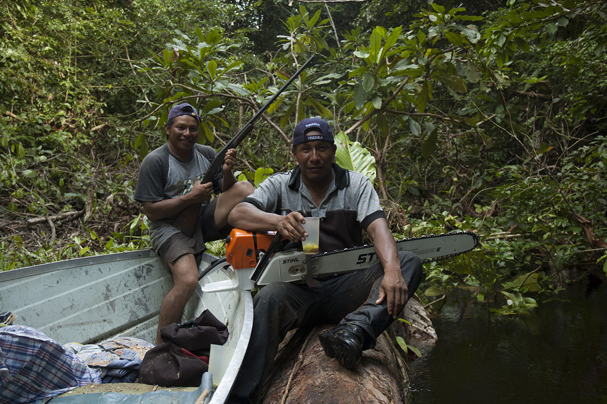 <p>Lorenzo and José, my companions towards Neblina. They are excelent hunters which is of basic importance when the camp is weeks away from the nearest supermarket. Rio Baria, Venezuela.</p>
